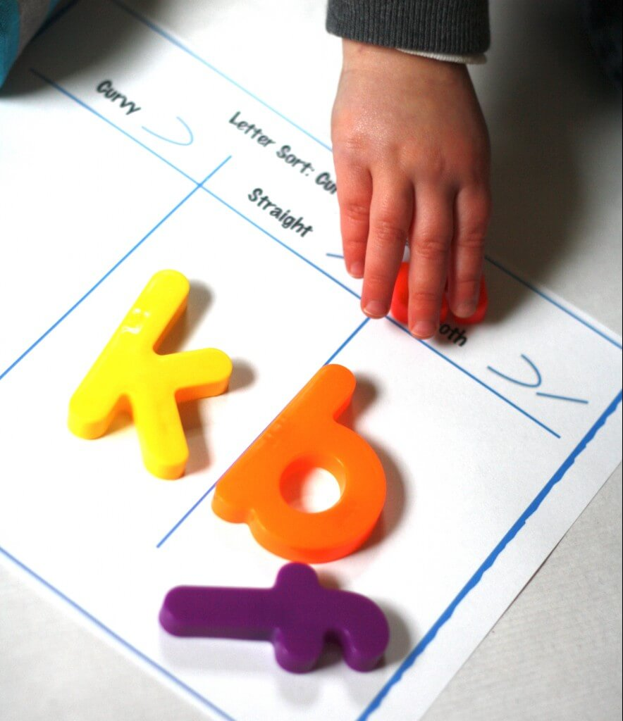 ABC Game: Letter Sort Curvy or Straight?