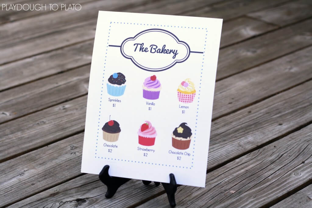 I love these free pretend play bakery shop printables!