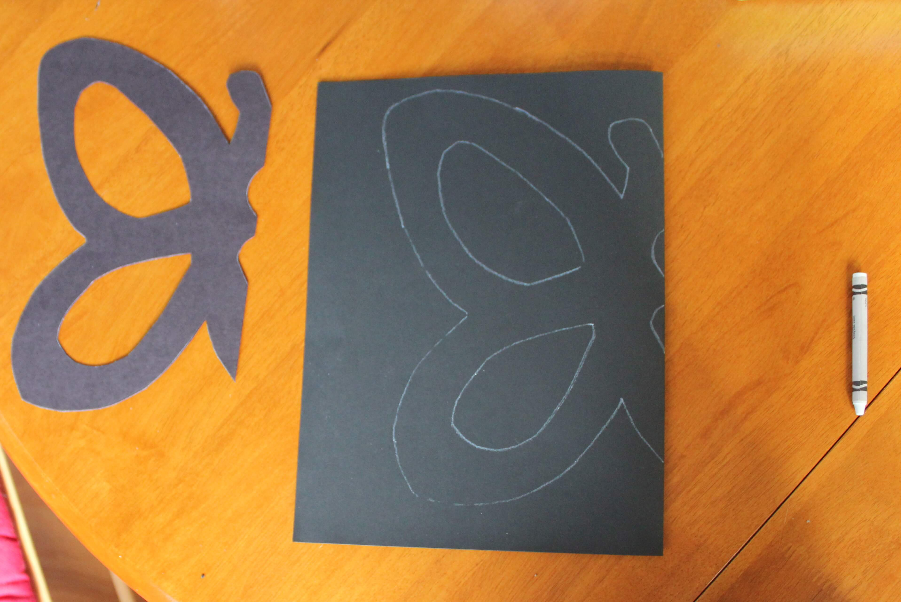 Tissue paper butterflies playdough to plato spring craft for kids tissue paper butterflies playdough to plato jeuxipadfo Image collections