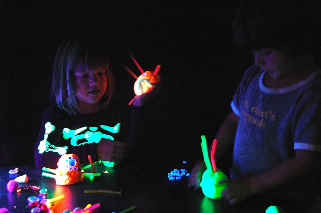 Awesome! Glow in the Dark Playdough Recipe. {Playdough to Plato}