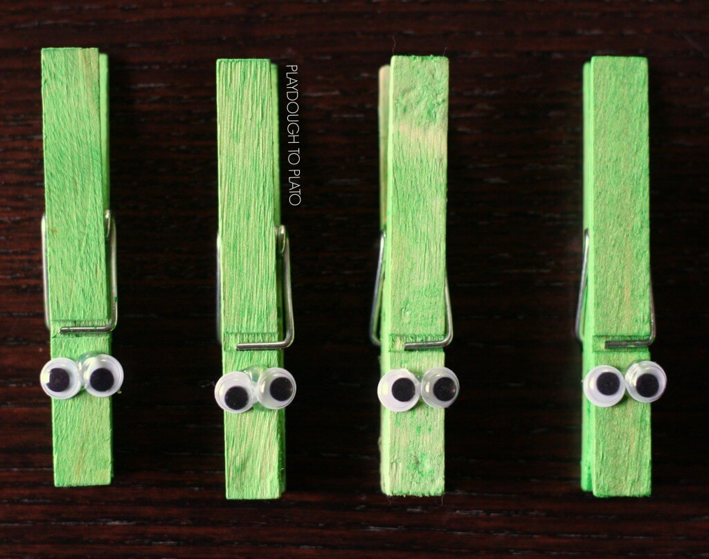 Adorable greater than clothespin alligators