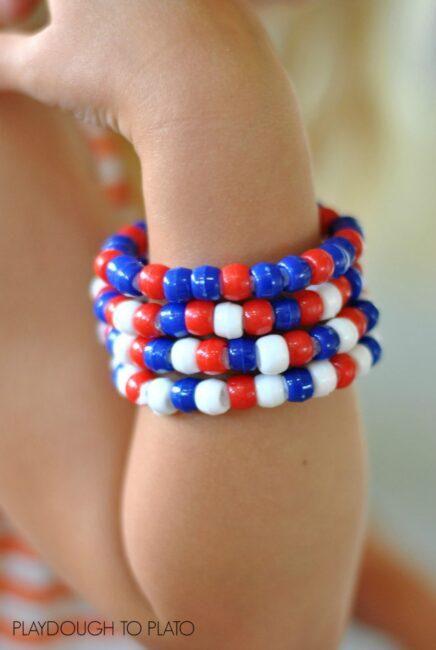 patriotic bracelets fine motor activity - Playdough to Plato
