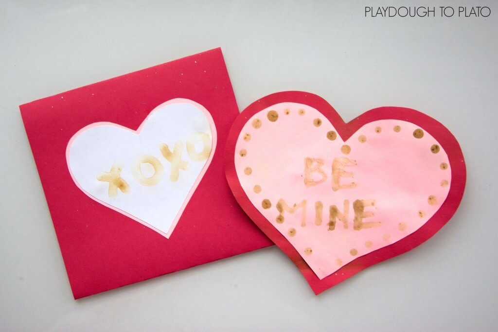 I love these invisible ink valentines! Such a simple and fun science for kids.