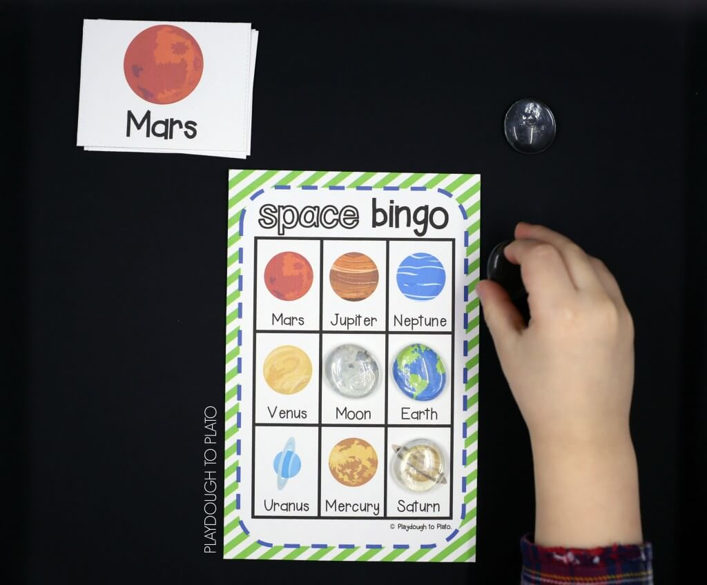 Free Space Bingo for Kids! What an awesome space activity. My kids will love this!